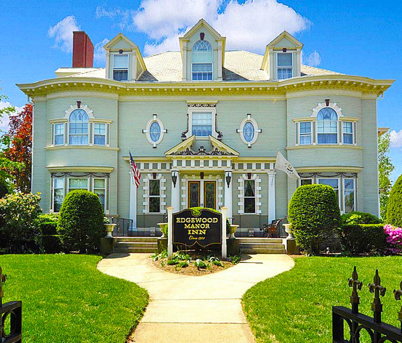 Providence, RI/Edgewood Manor Bed and Breakfast